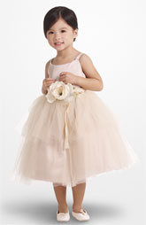 Adorable flower girl dress!