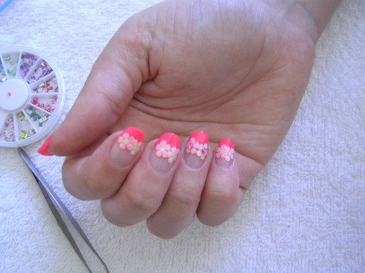 Pink Tips Nails Designs This French Tip Nail Design in