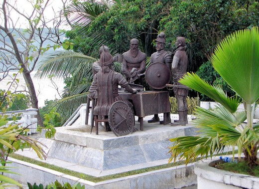 Blood Compact statue in Tagbilaran City, Bohol, the Philippines, commemorating the peace pact between Datu Sikatuna and Miguel López de Legazpi in 1565. (Photo by P199, April 2009-Wikimedia Commons)