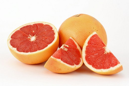 Grapefruit halves and wedges