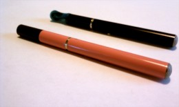 E-cigs come in a wide variety of sizes, weights, and colors.  These models use the popular 510 battery.