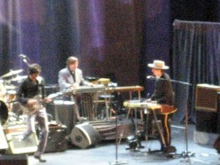 "Review:  BOB DYLAN Concert ""Rod Laver Arena "" Melbourne 2oth April 2011."