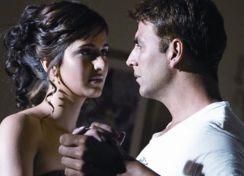 Katrina Kaif and Akshay Kumar in Namastey London.