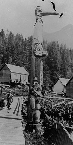 A Tlingit pole in Ketchikan, Alaska. Thought to have been raised in 1901.