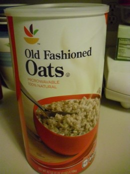 Oatmeal provides fiber and vitamins needed to be healthy.