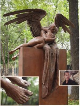 """Abrazo Monumental (Monumental Hug) "" 2006. Bronze Sculpture by Mexican Artist Jorge Marin. Mexico City Open Air Exhibit at ""Paseo de la Reforma (Chapultepec)""."