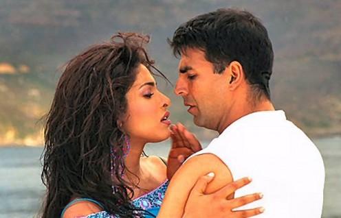 Priyanka Chopra and Akshay Kumar in Andaaz.