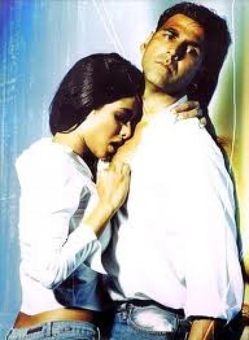 Priyanka Chopra and Akshay Kumar in Aitraaz.