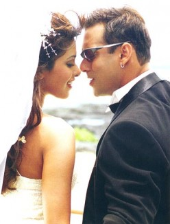 Priyanka Chopra and Salman Khan in Mujhse Shaadi Karogi .