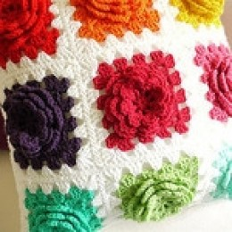 Ravelry: FREE PATTERN- Heart Pillow pattern by Erin Scull