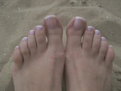 What is the best way to clean Nails on legs?