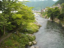 A view of the Nagara River in the middle of Gujo City.
