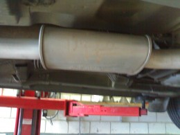 This muffler looks good, but as the end muffler is rusty this muffler may be damaged inside.