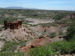Olduvai Gorge where Mary Leakey worked. (Image courtesty of http://images.world66.com/ol/du/pa/oldupai_gorge_galleryfull)
