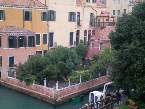 A hidden garden in Venice © A Harrison