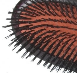 Bristle tufts for thin and sensitive hair