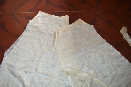 Piping using satin cloth