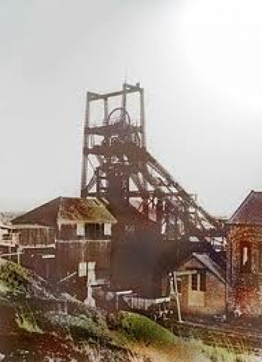 North Skelton's shaft mine closed as late as 1964. Most of the Cleveland ironstone workings were Drift mines, cut into hillsides with inclines leading to mine adits