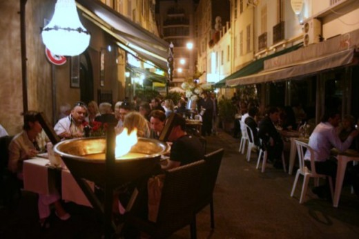 A street restaurant in Cannes