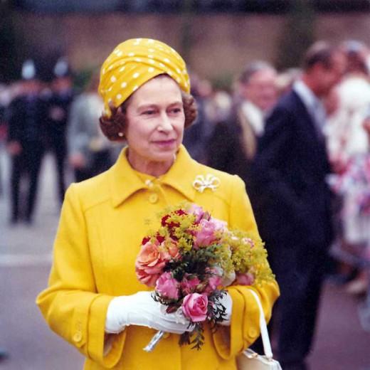 Queen Elizabeth ll on a walk about