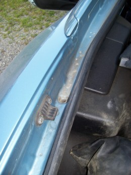 Another dirt and leaf collector area is the trunk lid jamb.