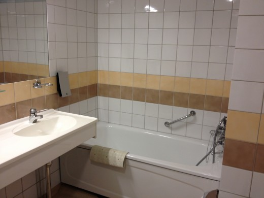 A room with both a separate shower and a bathtub is excellent!