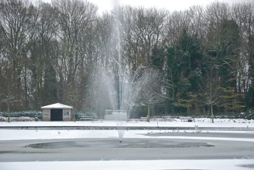Fountain in the pond - Ostend