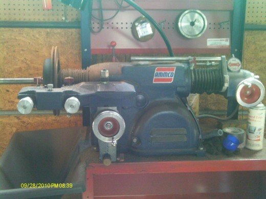 Rotor lathe machine