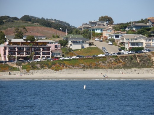 I used the zoom again from the pier to get this shot of the residential area behind the beach.