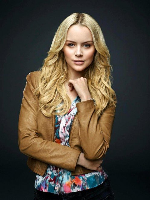 Helena Mattsson as Alexis Blume