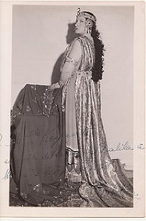 (Vintage) woman opera singer