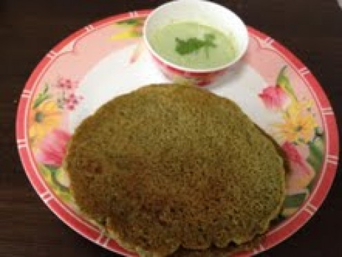 Sprouts Dosa served with Corrieander Coconut Chutney dip. Yum Yum Yummy:)