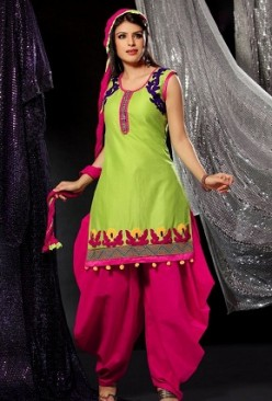 Hot Indian and Pakistani Girls in Patiala Salwar Suits
