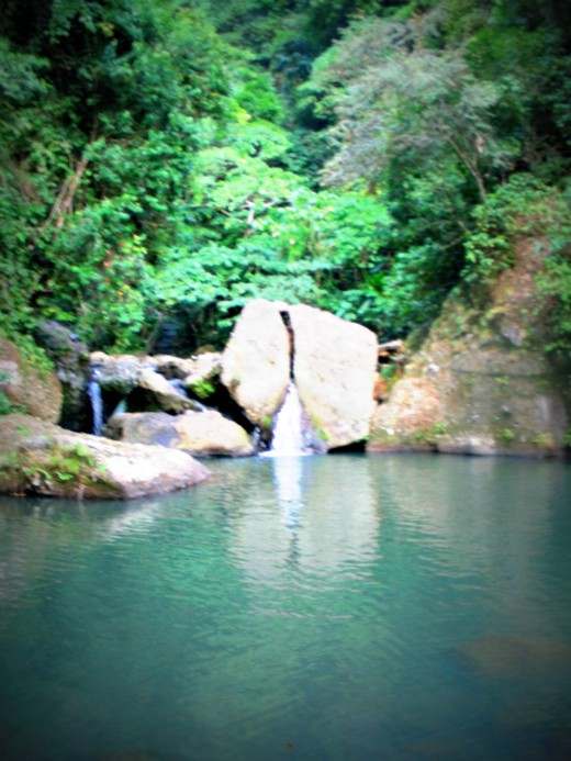 "The photo could tell you why it is called ""Biak na Bato"" falls (split rock)."