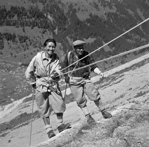 Tenzing Norgay & Raymond Lambert hiking in Rosenlaui Valley