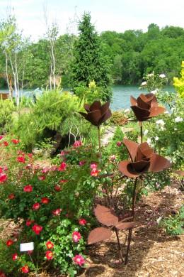 Metal Rose Garden Sculpture
