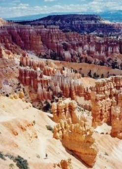 Bryce Canyon National Park in Southern Utah - Pictures - Erosion - Rocks