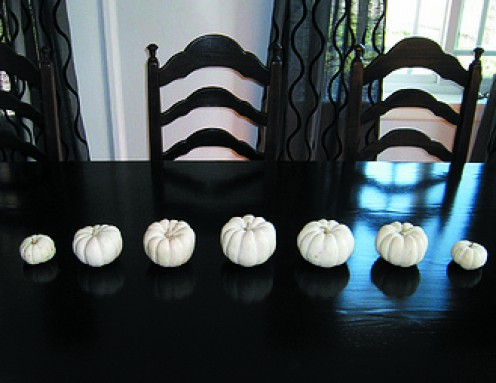 This Pumpkin Centerpiece Is A Perfect Example Of Progression