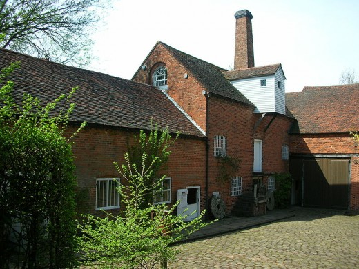 Sarehole Mill is close to both the Bog and Tolkien's childhood home. It served as the inspiration behind the mill in Hobbiton in the Shire.