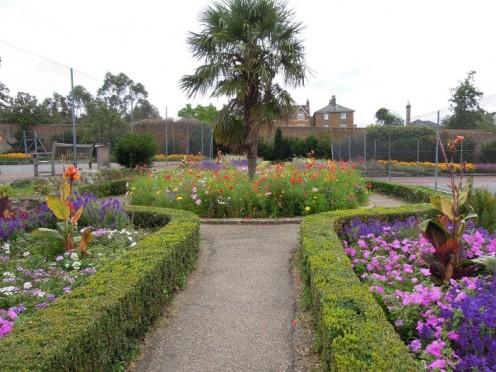 Sensory garden in Stoke Park