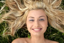 How to Lighten Your Hair Naturally at Home