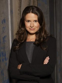 Katie Lowes plays Quinn Perkins, but who is Quinn Perkins??