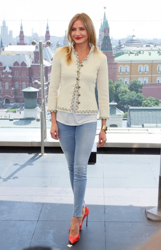 Cameron Diaz tight skinny jeans and pumps