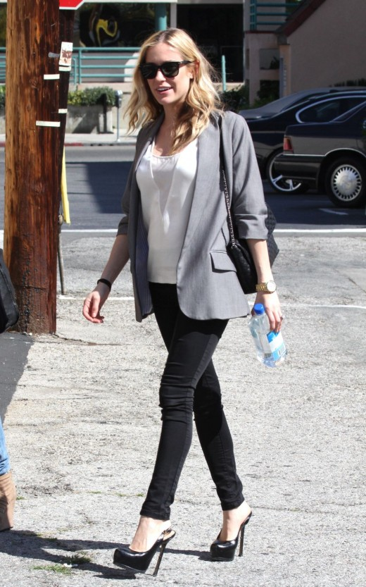 Kristin Cavallari in dark denim tight jeans