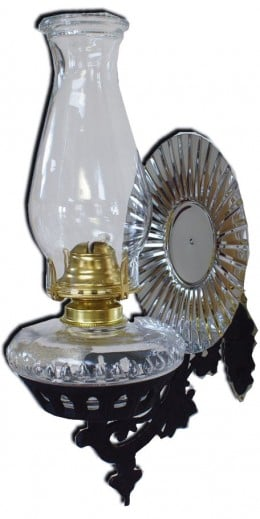 Wall mounted oil lamp