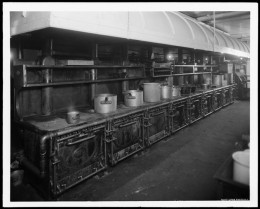 Title: Hotel Majestic, kitchen. Date: 1917
