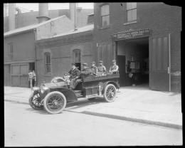 Title: Brooklyn Union Gas Company, emergency station. Date: 1913