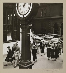 Title: Tempo of the City I Date: May 13, 1938 Comments: Fifth Avenue and 44th Street.