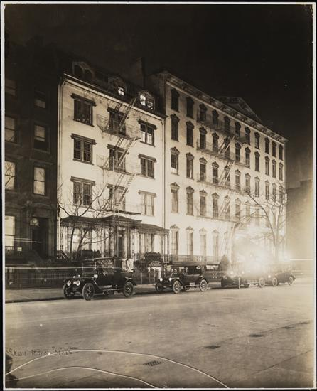 Title: [Street scene at night.] Date: 1915