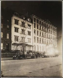 Title: [Street scene at night.] Date: 1915
